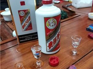 貴州茅臺酒VS奔富葛蘭許/奔富707紅酒你怎么選擇?